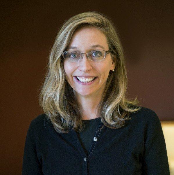Андреа Хоманн, профессор отделения психологических наук иизучения мозга Колледжа искусств инаук вБлумингтоне.