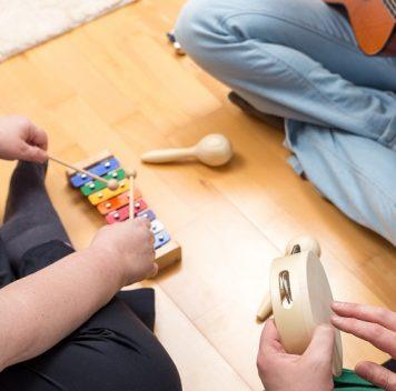 Музыкальная терапия помогает детям иподросткам справиться сдепрессией