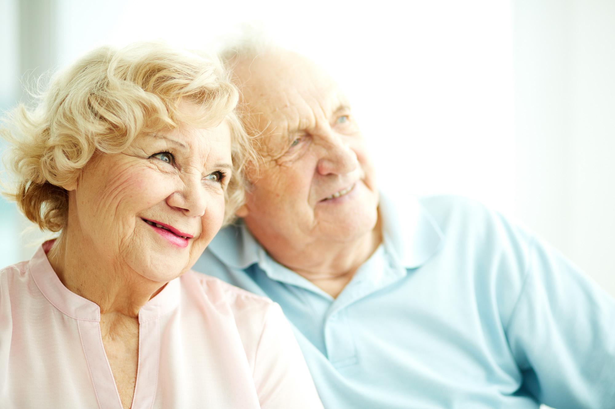 Скорее всего, эту пожилую пару ждёт долгая жизнь. Но женщина переживёт супруга.