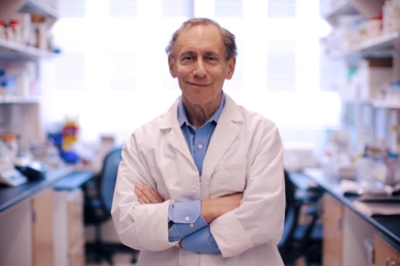 Профессор Роберт Лангер, создатель таблетки, сохраняющейся вжелудке две недели.