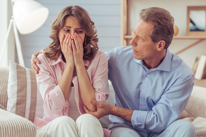 С жёнами из-за болезни, может, иразводятся, но неиз-за всякой