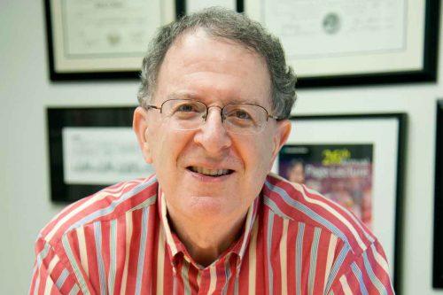 Ведущий автор исследования Джеффри Гордон полагает, что при назначении диеты нужно учитывать состояние микробиоты.