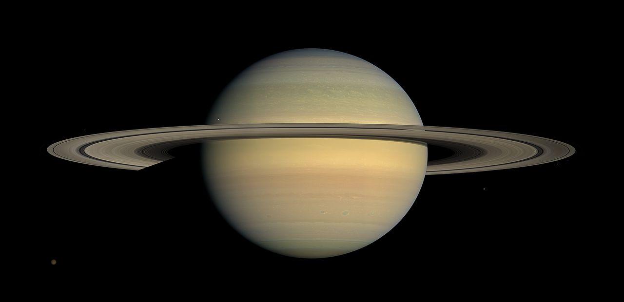 """Сатурн. Снимок сделан входе выполнения миссии """"Кассини""""."""