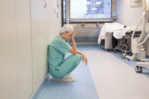 Студенты-медики часто страдают от депрессии, иэто непроблема какой-то одной страны, амежнациональное явление.