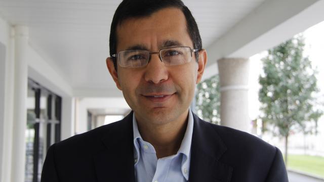 Доктор Абдель-Рамин Аззузи (Abdel-Rahmene Azzouzi)