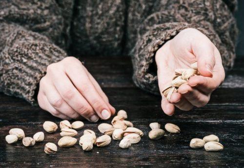 Чтобы получить пользу от орехов, достаточно съедать 20 граммов вдень.