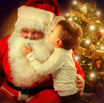 Как Санта-Клаус учитывает поведение исоциальное положение?
