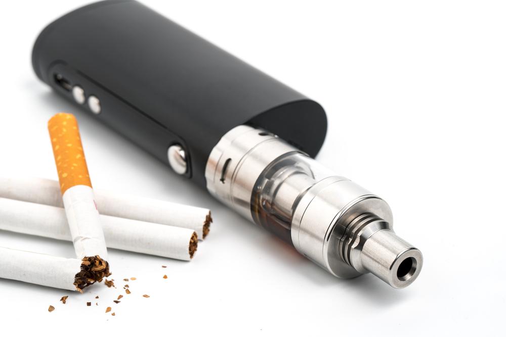 Распространённость курения обычных сигарет вСША удалось снизить. Но им насмену тут же пришли сигареты электронные.