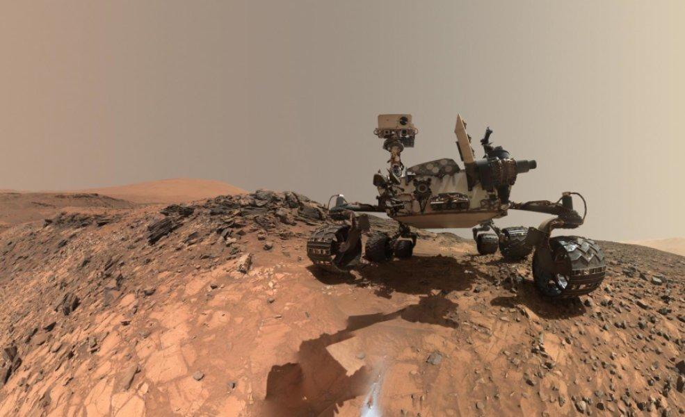 <i>Curiosity</i>— наМарсе с2012 года.