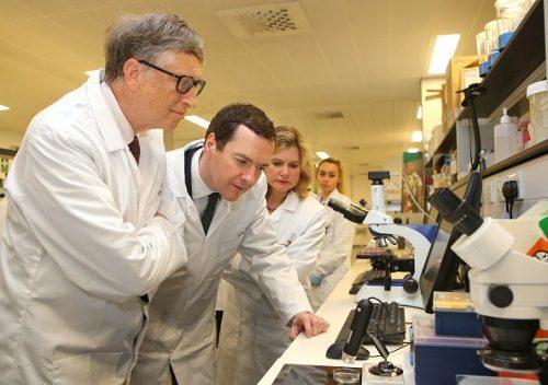 Последние 20 лет Билл Гейтс серьёзно занимается вопросами глобального здравоохранения.