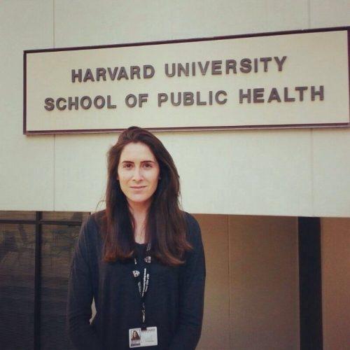 Ведущий автор исследования Лидия Мингес-Аларкон полагает, что женщины должны знать отом, как ночные смены или перенос тяжестей могут повлиять нафертильность.