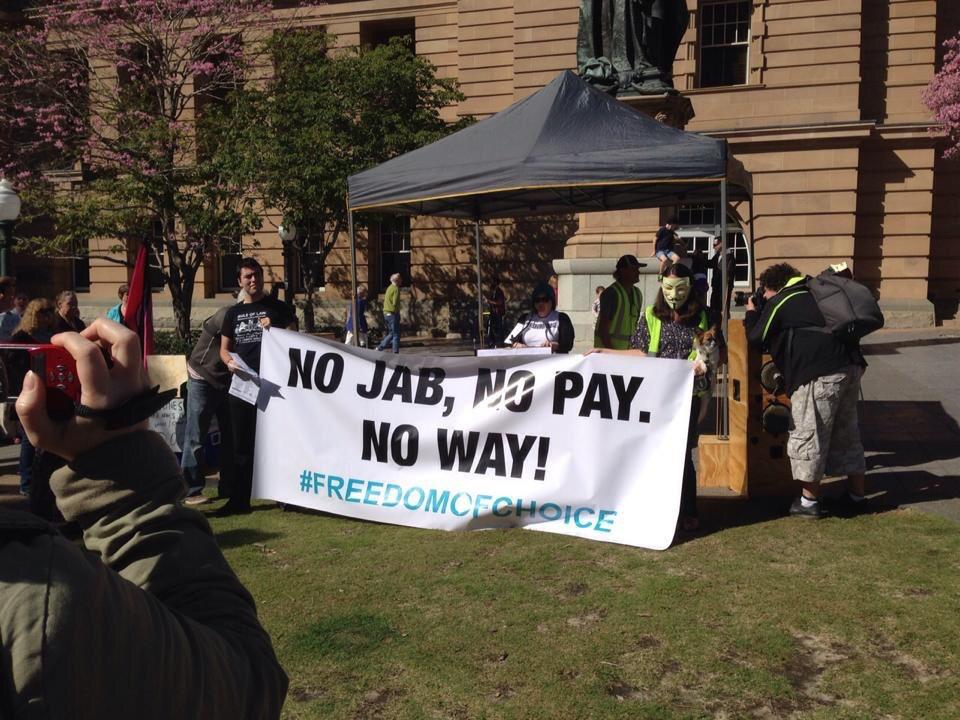 """Введение новых правил выплаты пособий вызвало ряд протестов. Однако австралийское правительство решило, что принятие """"жёстких мер"""" вданном случае целесообразно."""