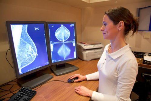 Доброкачественные заболевания груди внекоторых случаях переходят вонкологические, авнекоторых— нет. Исследователи решили выяснить, почему так происходит.