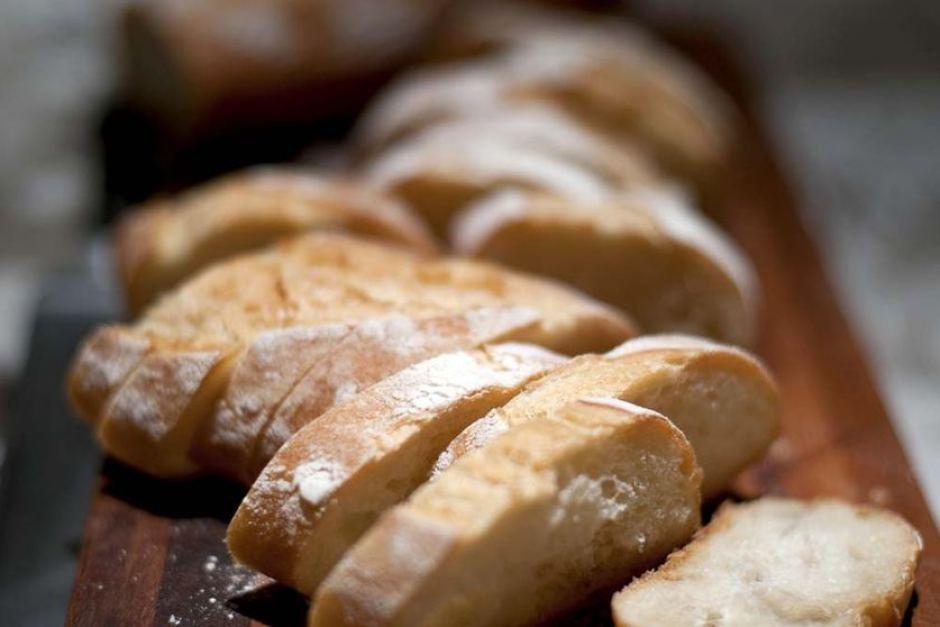 Хлеб— втом числе тот, что предлагается людям, следящим за своим здоровьем, может содержать избыток поваренной соли.