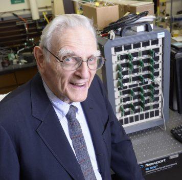 Новый элемент питания от создателя литий-ионного аккумулятора