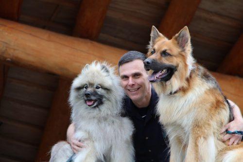 Доктор Мэтт Кеберлейн (Matt Kaeberlein) полагает, что рапамицин может продлить жизнь собакам всреднем на25%.
