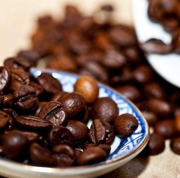 Кофеин стимулирует синтез белка, защищающего от болезни Альцгеймера