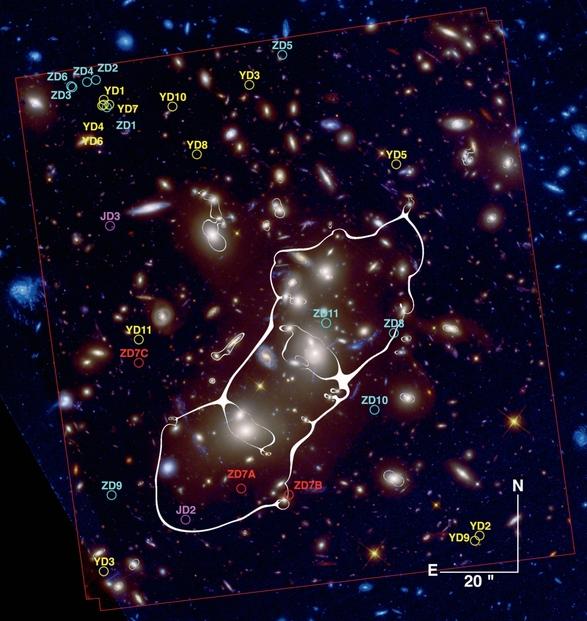Скопление A2744 ирасположение галактики A2744_YD4 (в правом нижнем углу).