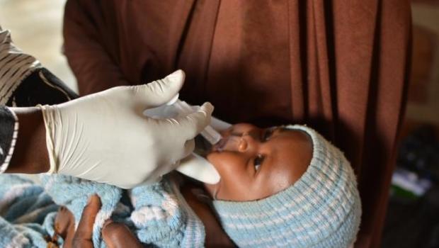 В ходе клинических испытаний младенцы получали либо новую вакцину, либо плацебо.
