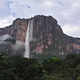 Самый высокий в мире водопад Анхель.