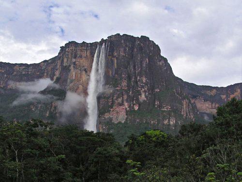 Самый высокий вмире водопад Анхель.