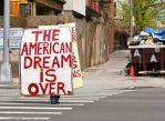 Всё меньше американцев, которым удаётся превзойти родителей по уровню дохода. Похоже, американская мечта довольно далека от реальности.