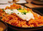 Жареные блюда (а также выпечка, чипсы маргарин) могут быть источником вредных для здоровья транс-жиров.