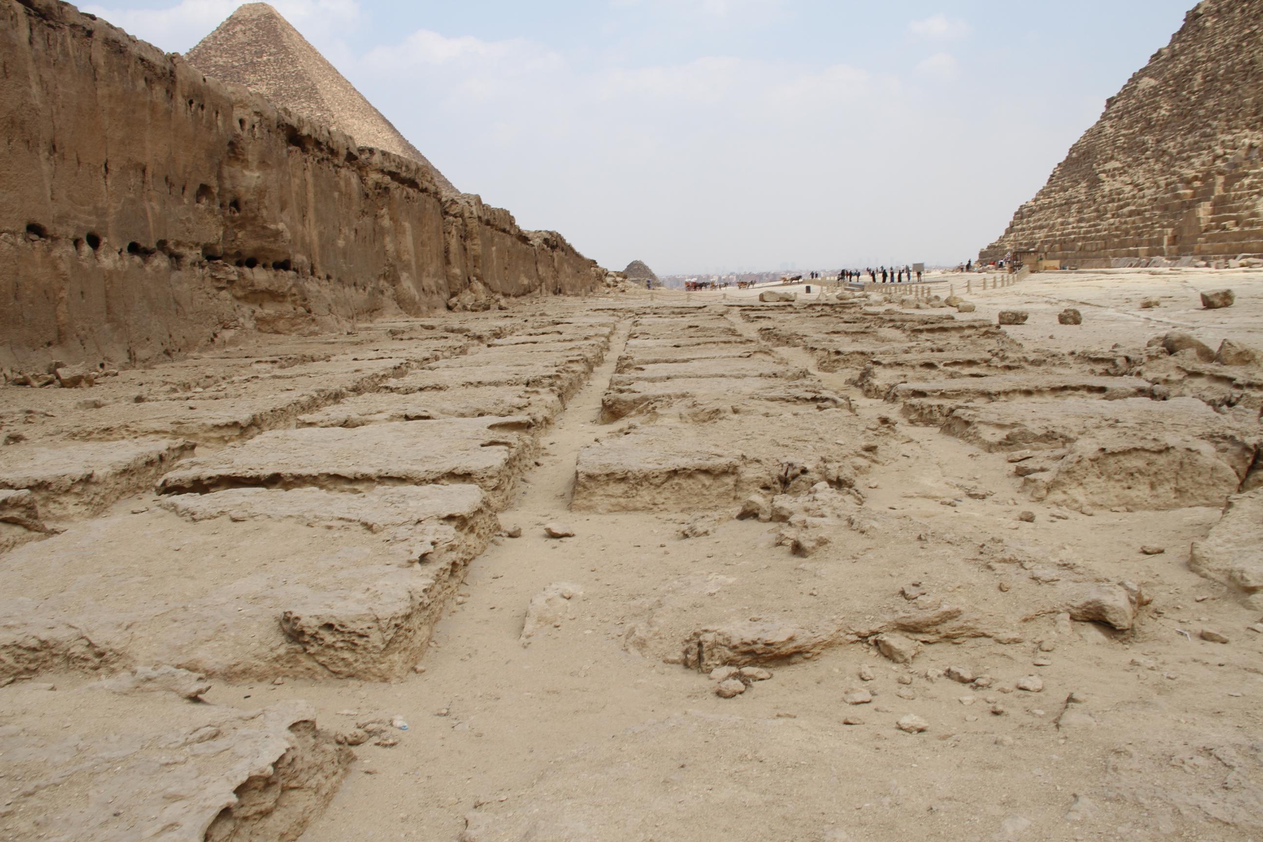 Каменоломни рядом спирамидой Хефрена