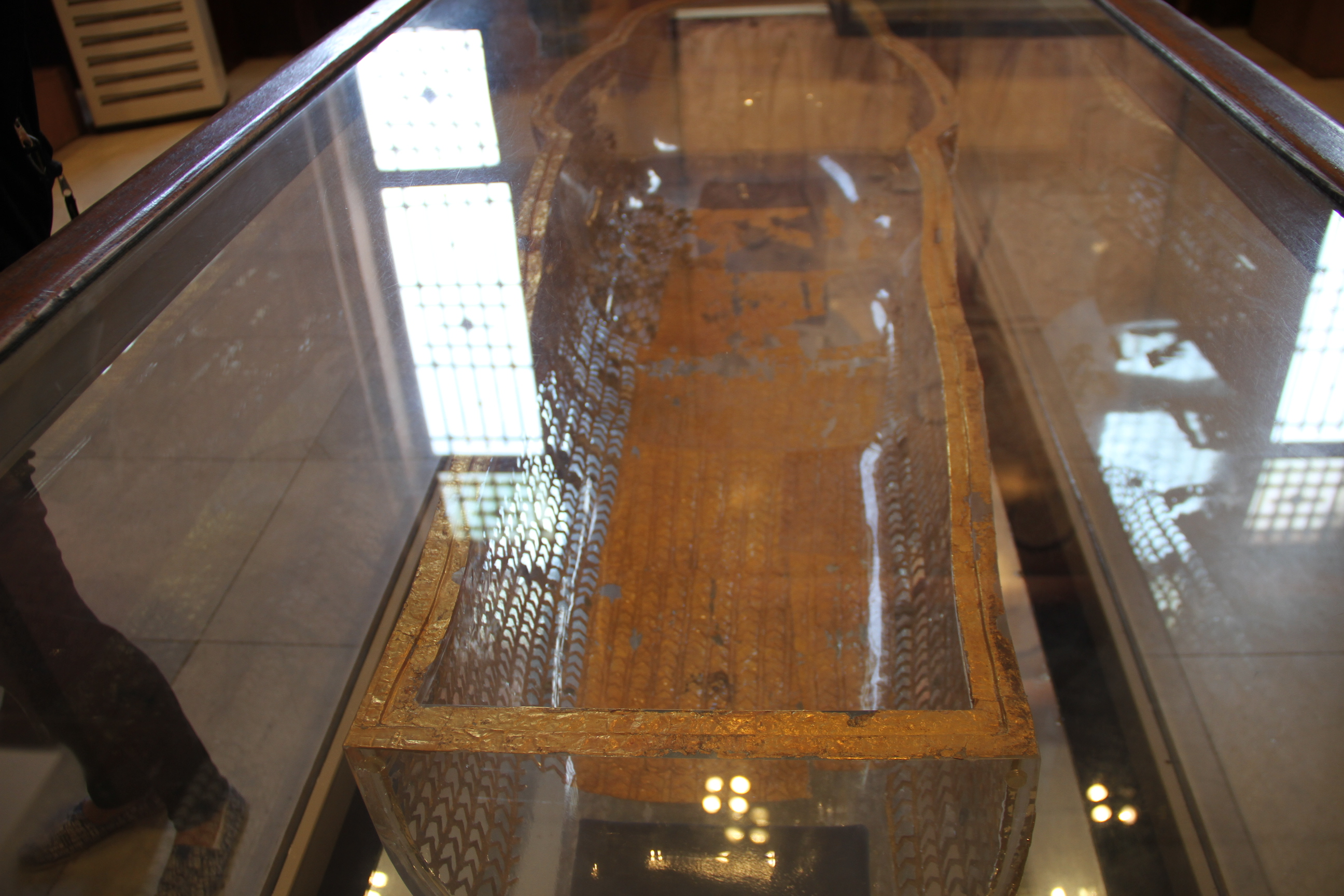 «Стеклянный» саркофаг фараона Эхнатона. Каирский музей