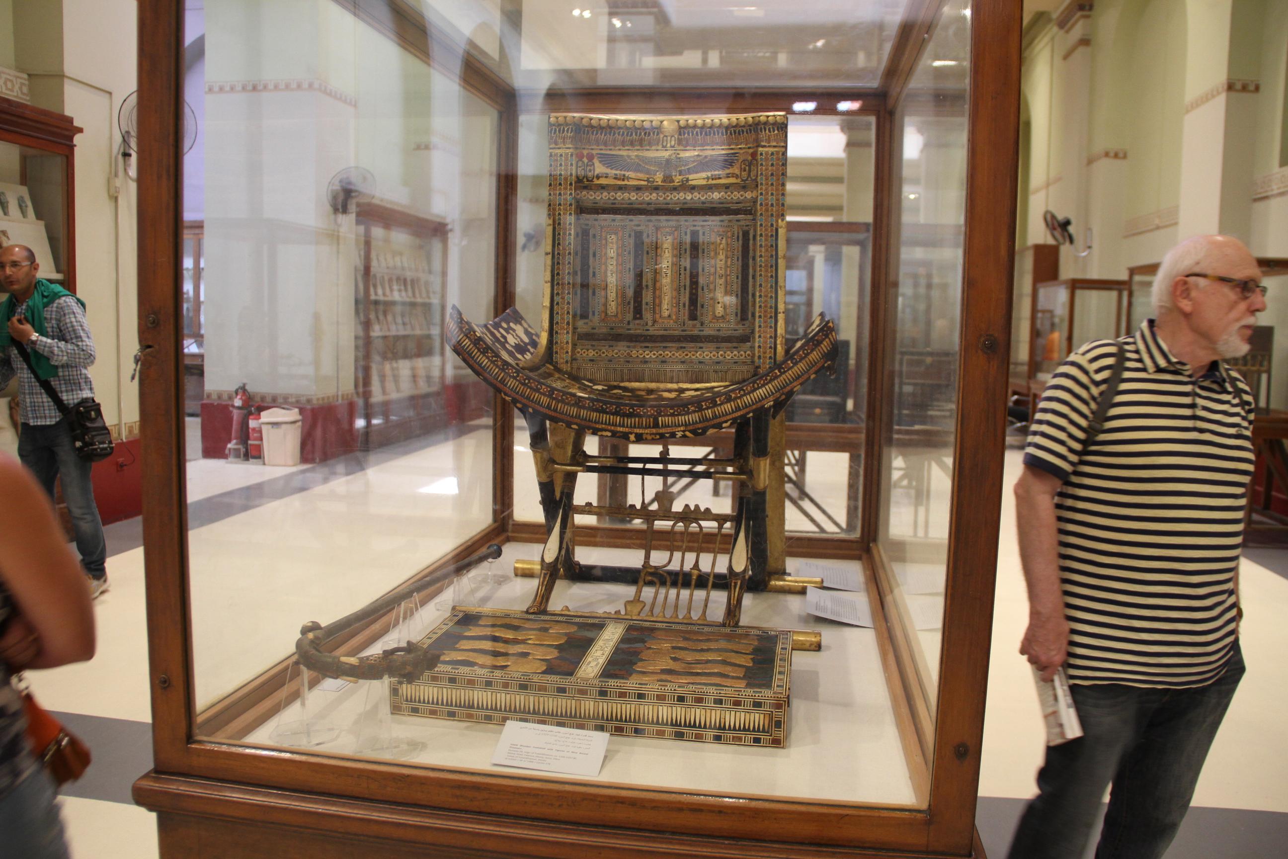 Церемониальный трон Тутанхамона