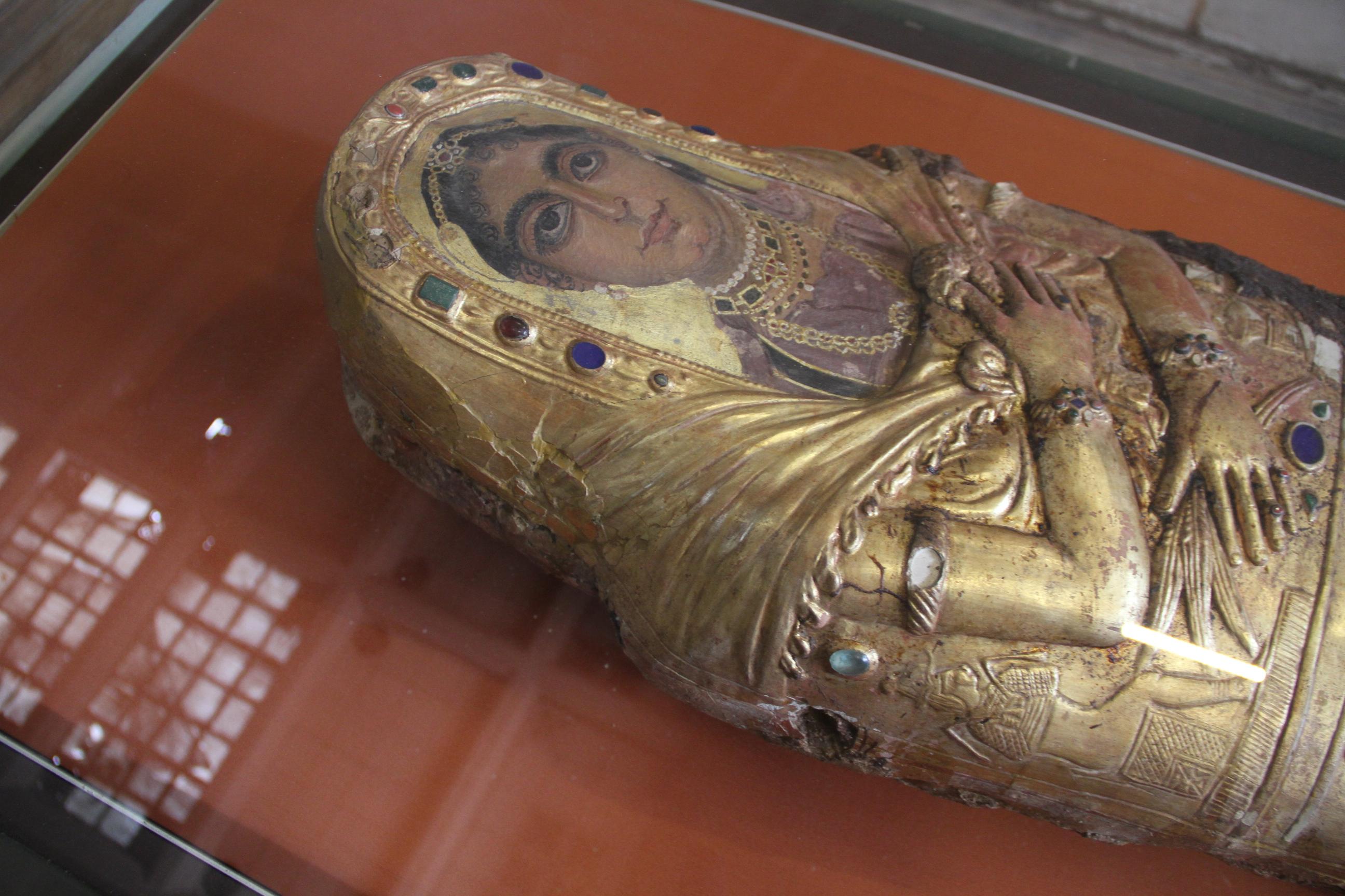 Мумия спогребальным портретом. Римский период. Каирский музей