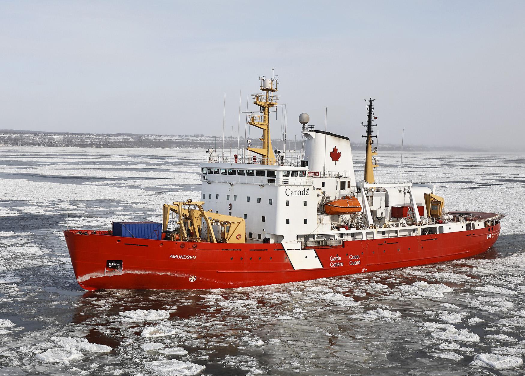 Ледокол «Амундсен» (CCGS Amundsen).