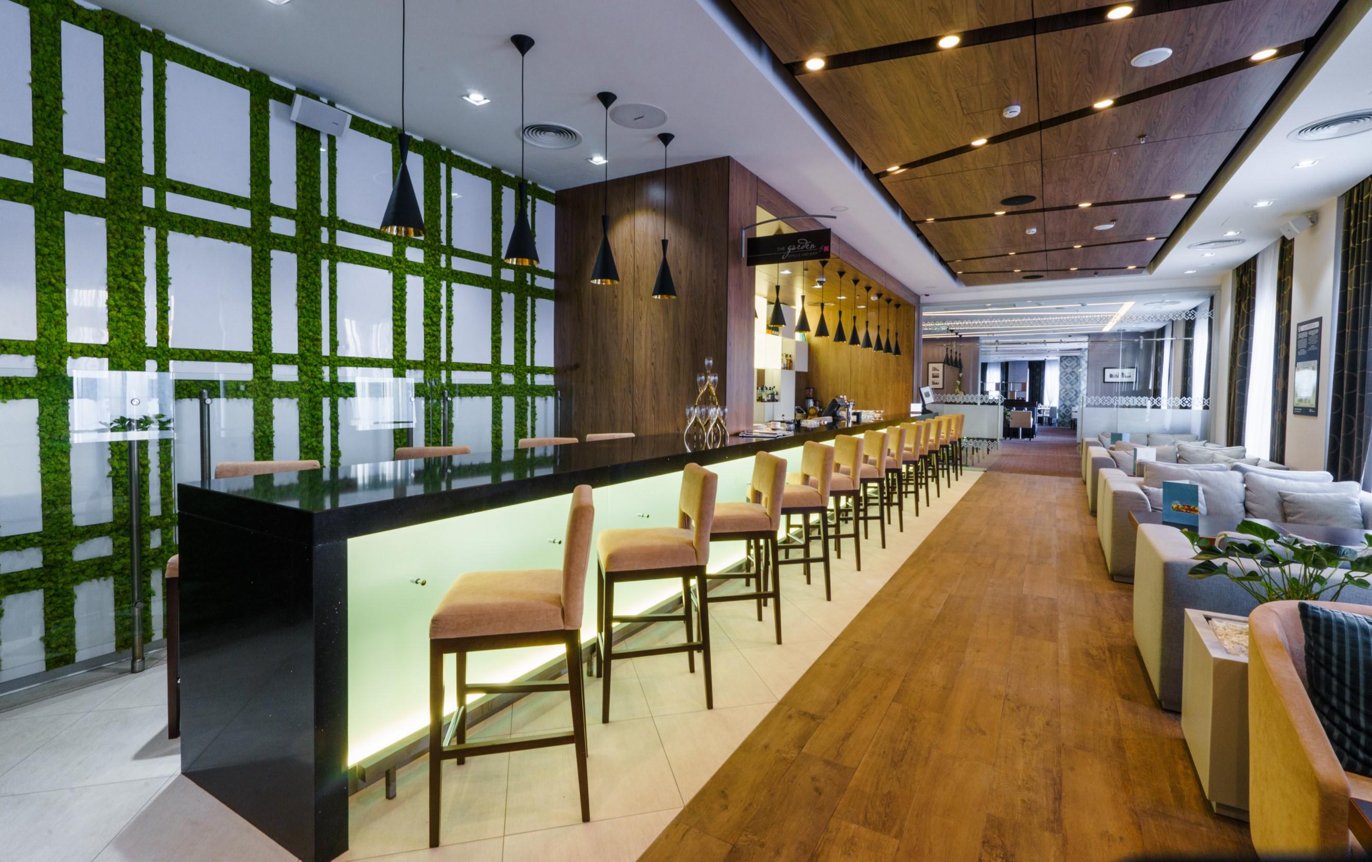 Отель <i>Hilton Garden Inn</i> вУфе. Дизайн интерьера— бюро <i>MAD architects</i>.