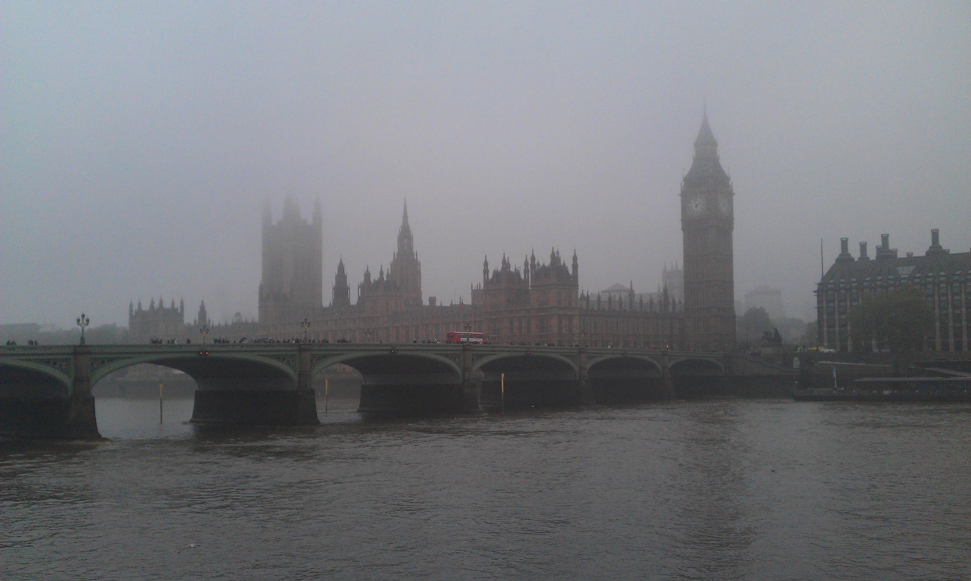 Вборьбе за чистый воздух, правительство Великобритании может запретить автомобили набензине идизельном топливе.