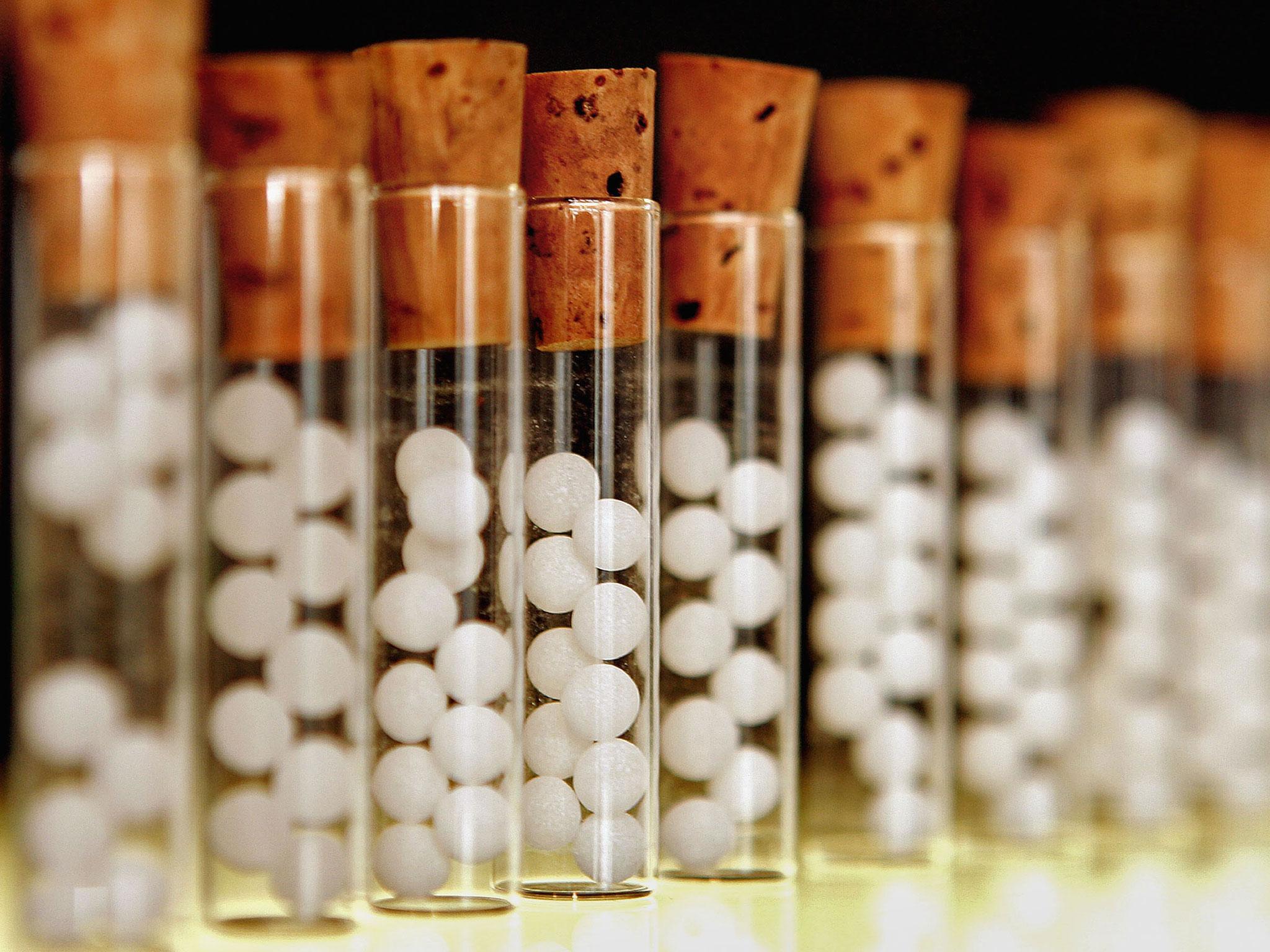 Представители NHS England считают, что лучше сэкономить насахарных шариках, ана эти деньги купить действительно эффективные препараты.