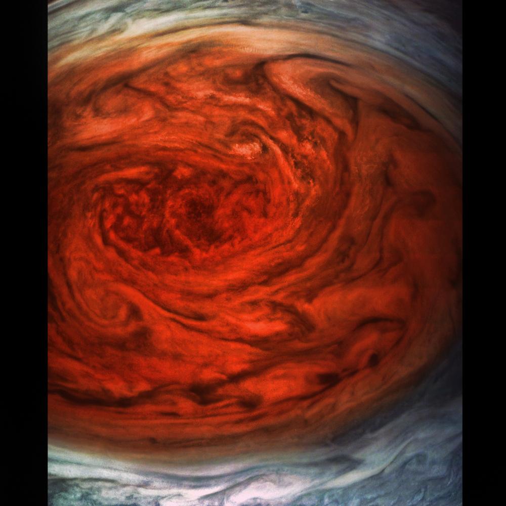 Вот такие картинки получаются улюбителей. Большое красное пятно вмаксимальном приближении от danielcorttez.