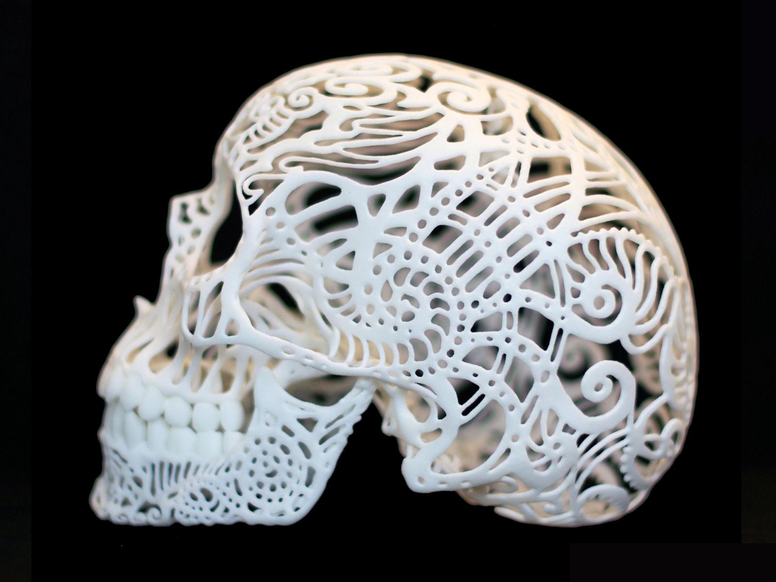 Нет, пациенту достался нетакой череп. Но этот тоже напечатан на3D-принтере. Детище скульптора Джошуа Харкера (Joshua Harker) наглядно демонстрирует возможности технологии.