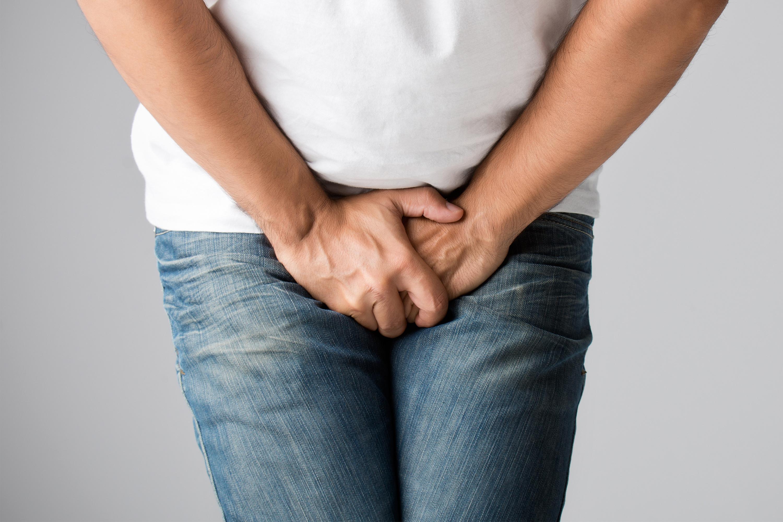 Ксимптомам гонореи относят боли при мочеиспускании, гнойные выделения из уретры, боли внизу живота. Однако нередко болезнь протекает практически бессимптомно, поэтому для диагностики требуются лабораторные исследования.