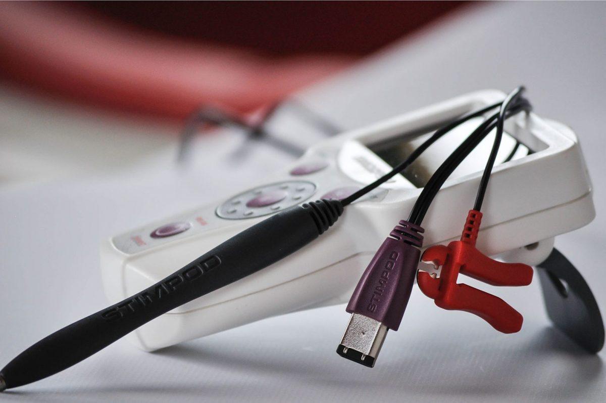<i>Stimpod NMS460</i>, прибор для лечения резистентного болевого синдрома иболей, вызванных травмой или хирургическим вмешательством.