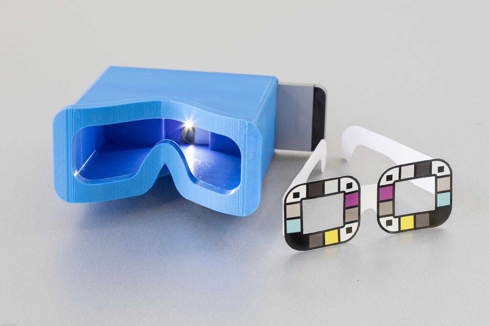 Пока приложение необходимо использовать со специальными аксессуарами— очками или коробочкой, отсекающей лишнее освещение.