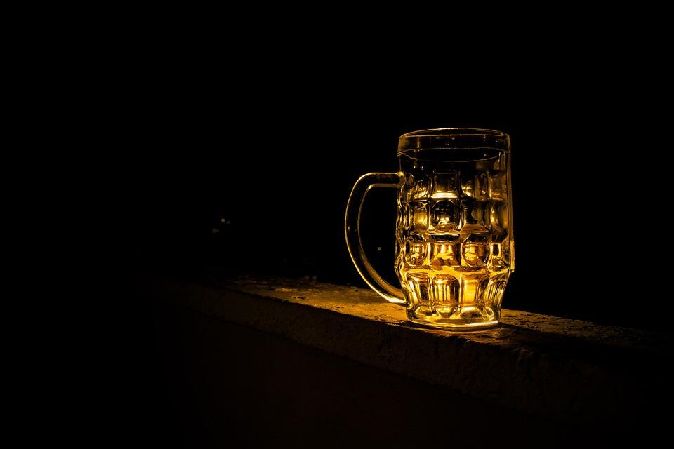 Судя по результатам нового исследования, «мёд поэзии» вполне можно заменить «пивом поэзии»— сзадачей повышения креативности пиво справляется ничуть нехуже мистического «мёда».