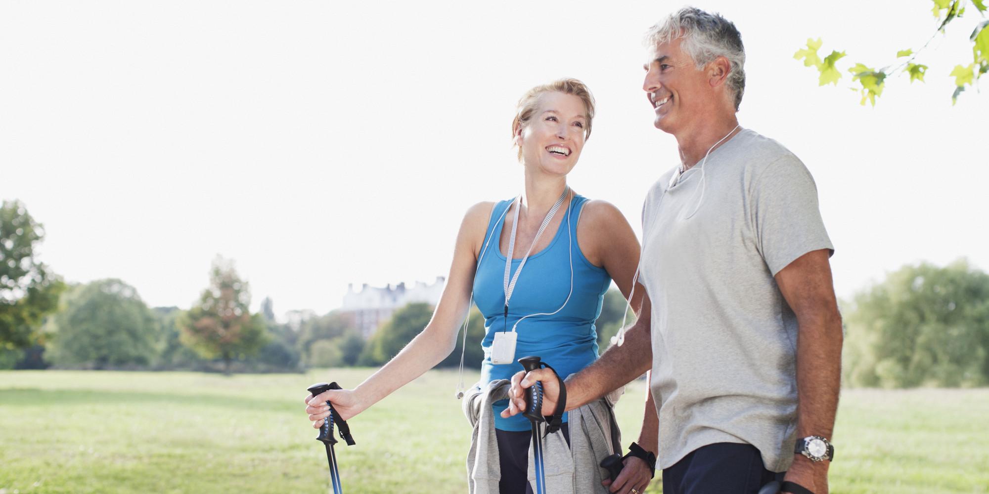 Хотя физическая активность всередине жизни ине защищает от болезни Альцгеймера встарости, она помогает сохранить здоровой сердечно-сосудистую систему иулучшает кровообращение мозга.