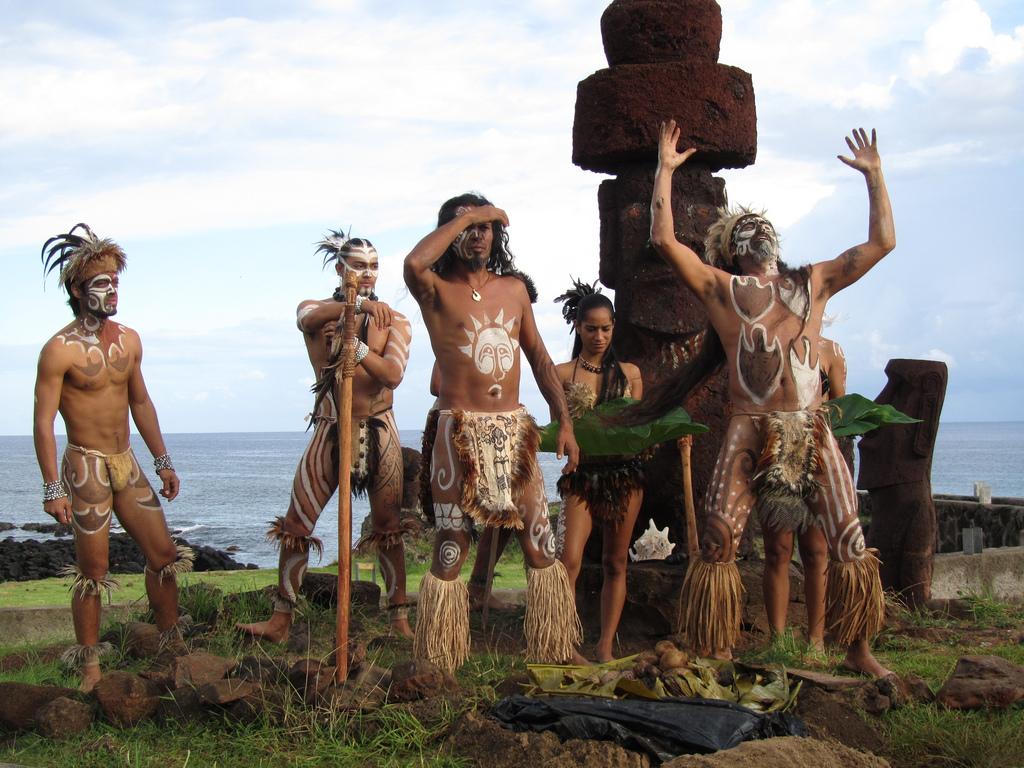 Аборигены острова Пасхи занимались сельским хозяйством, удобряли почву истарались предохранять её от эрозии.