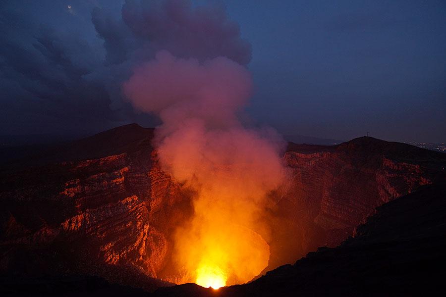 Вулкан Масая вНикарагуа.