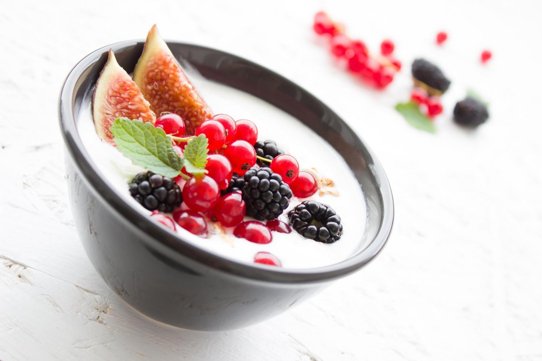 Возможно, от калорийных блюд стоит отказаться— уменьшение количества потребляемых калорий действительно влияет напродолжительность жизни.