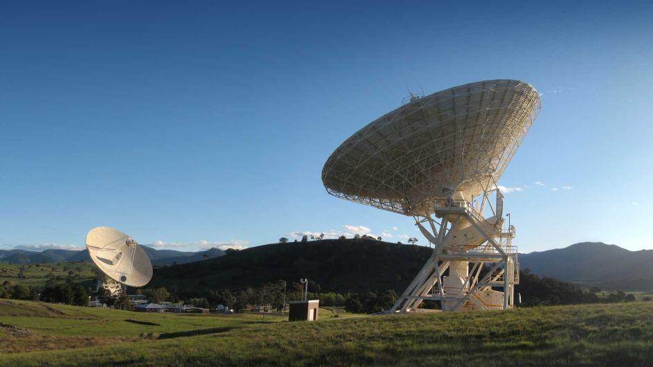 Австралия принимает активное участие визучении космоса. Например, здесь находится Комплекс дальней космической связи вКанберре, иместный радиотелескоп— один из крупнейших вмире.