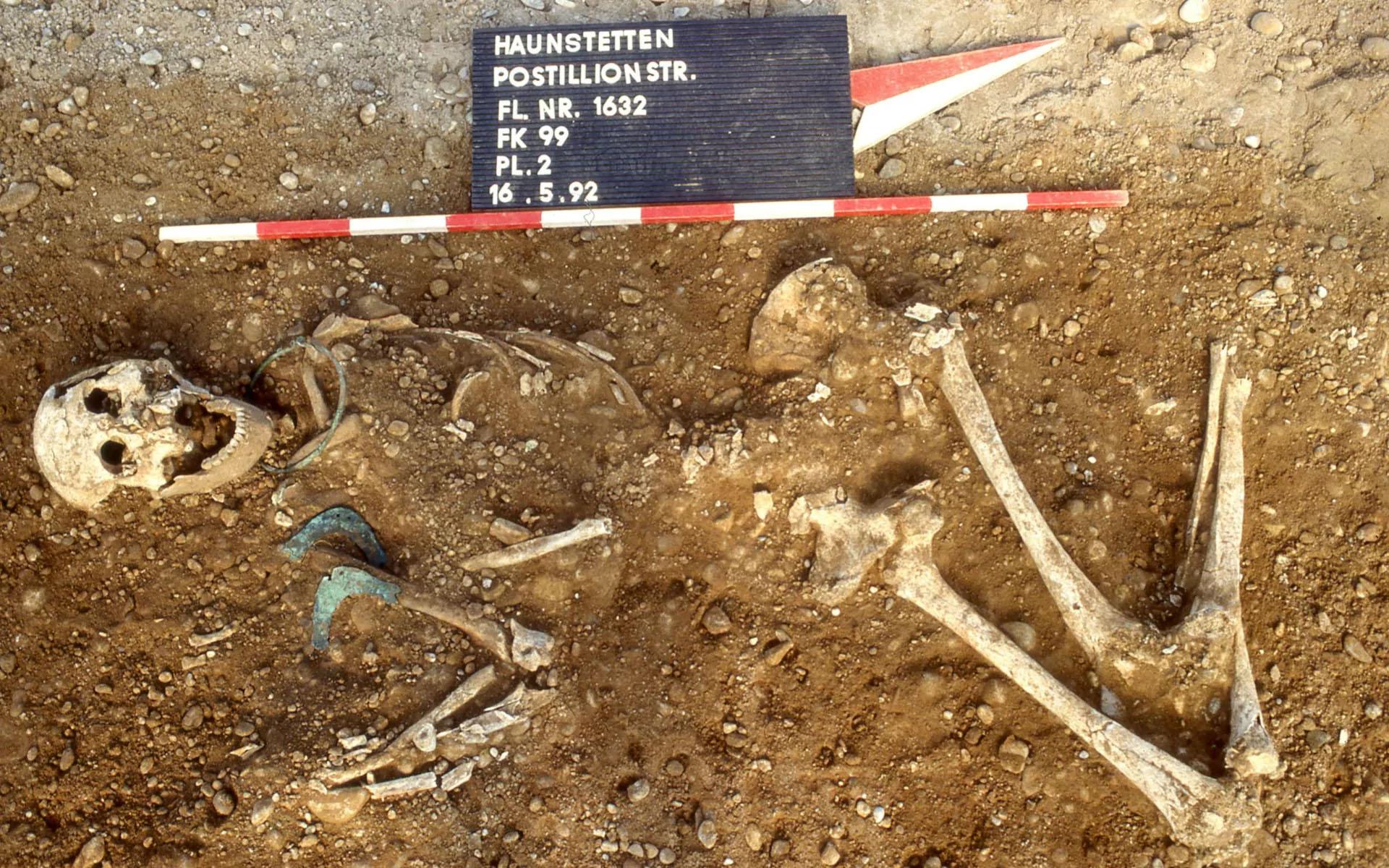 Останки человека из погребения вдолине реки Лех. Фото:  STADTARCHÄOLOGIE AUGSBURG/SWNS.