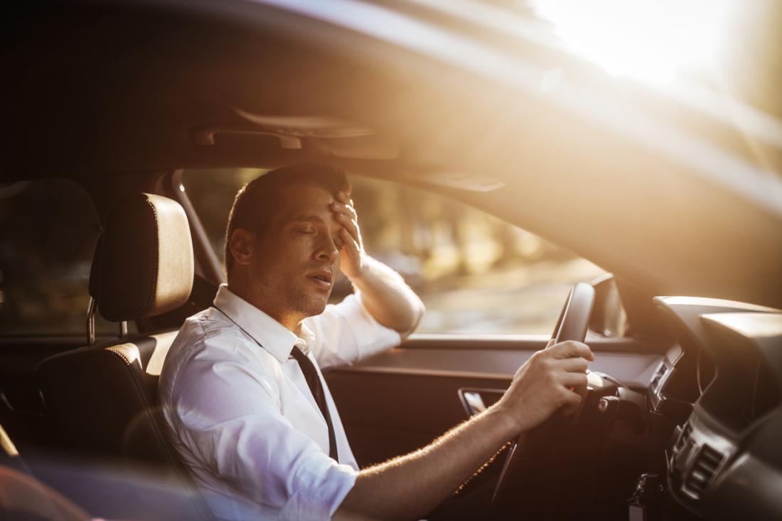 Последствия депривации сна могут быть катастрофичными. Например, когда водитель утомлён, его внимание рассеивается, поскольку нейроны нереагируют настимулы окружающего мира так эффективно, как должны.