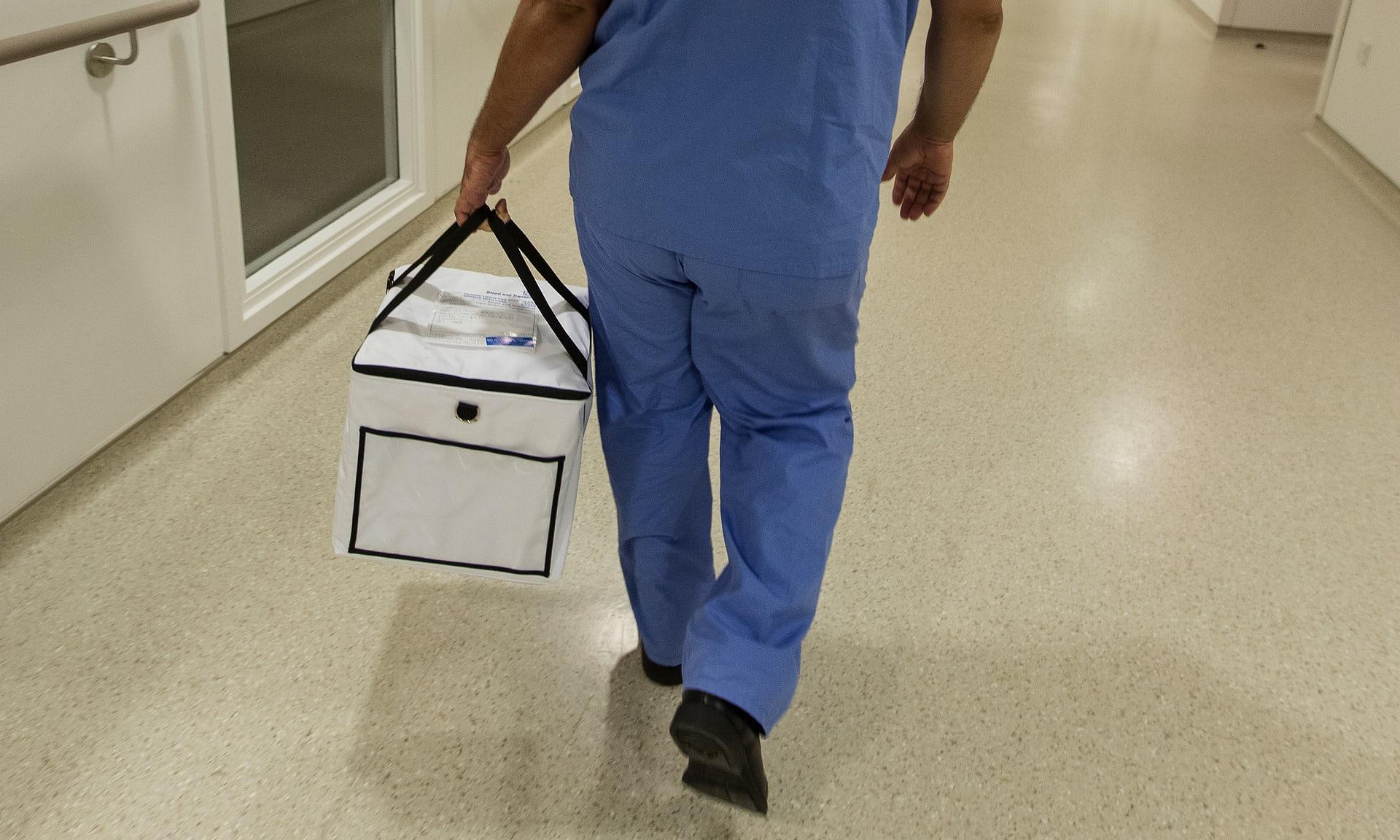 Потребность вдонорских органах нового поколения огромна. Ежегодно тысячи людей умирают от их нехватки или от осложнений, связанных сотторжением трансплантатов.