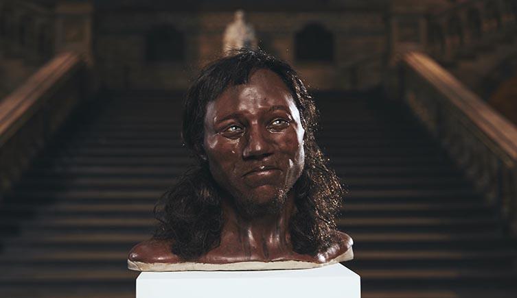 Древний житель Британии был темнокожим иголубоглазым